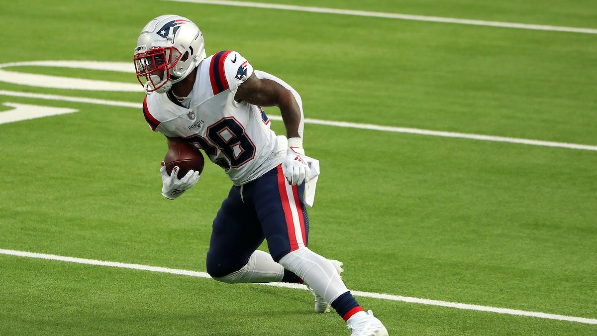James White's Return to Patriots Makes Him Worth Fantasy Consideration in PPR Formats article feature image