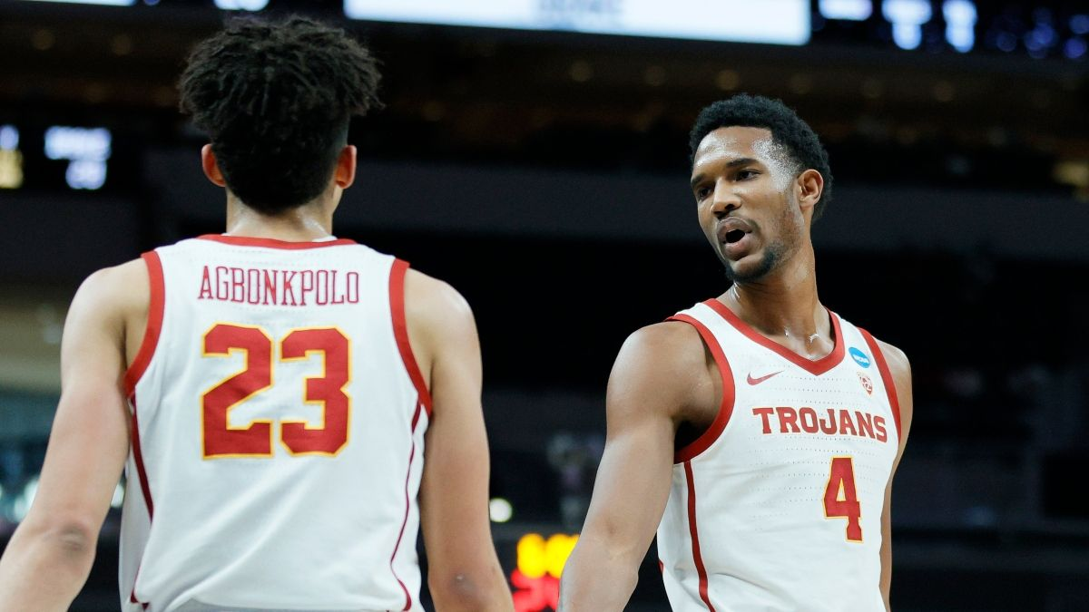 2021 NCAA Tournament Odds, Picks, Predictions: Kansas vs. USC Betting Preview (March 22) article feature image