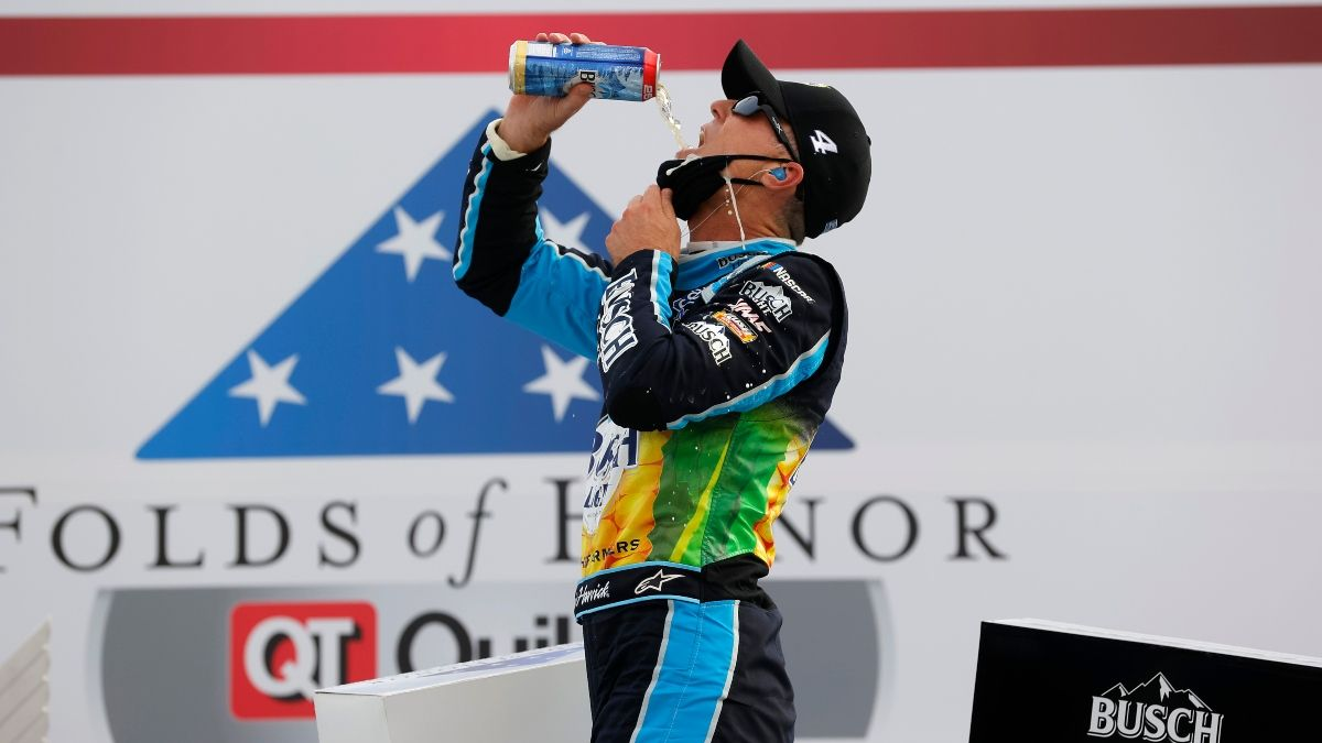 NASCAR Folds of Honor QuikTrip 500 at Atlanta Odds: Harvick the 6-1 Favorite for Sunday's (March 21) Race article feature image