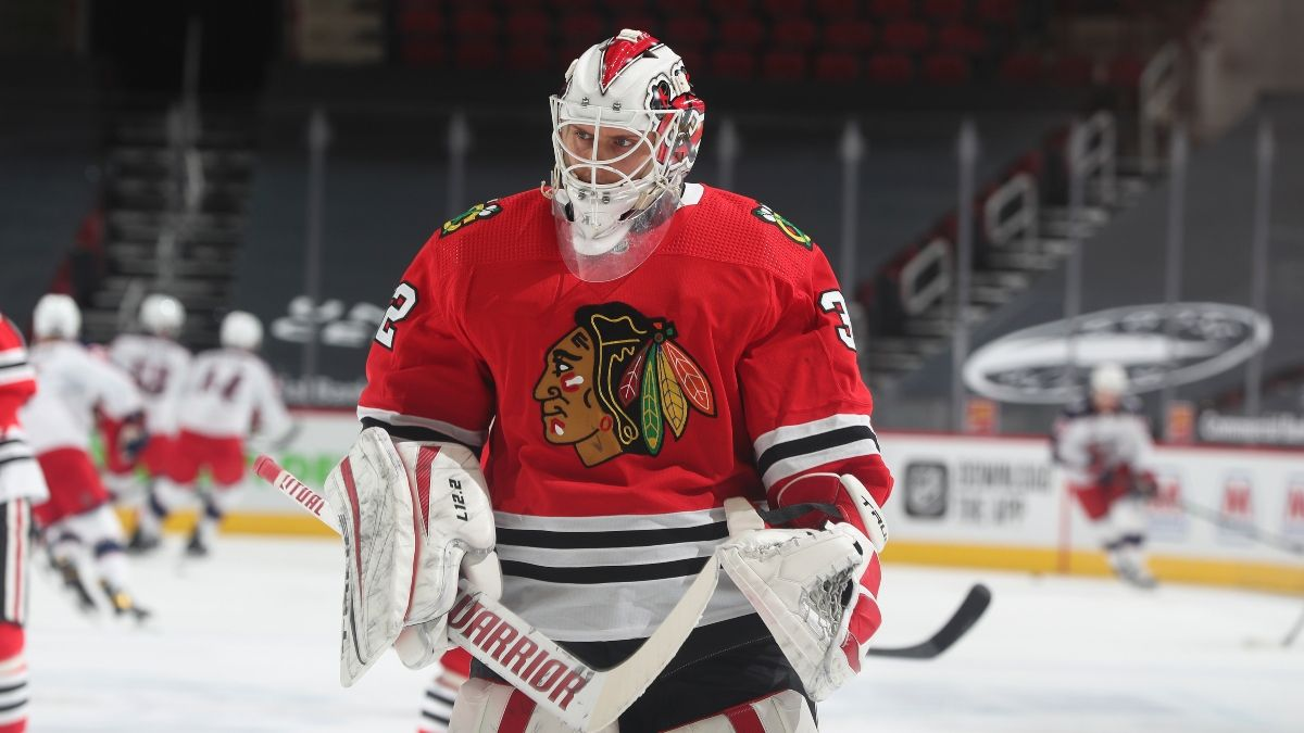 Sunday NHL Odds & Pick for Lightning vs. Blackhawks: Defenses Should Shine in Windy City (March 7) article feature image