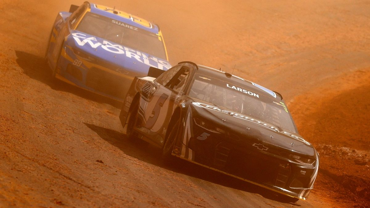 NASCAR at Bristol Odds: Kyle Larson Tabbed Betting Favorite for Sunday's Food City Dirt Race (March 28) article feature image