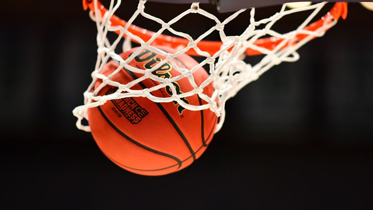 How To Build A Unique March Madness Bracket For NCAA Tournament article feature image