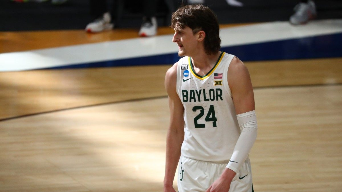 March Madness Sweet 16 Player Props: Bet on Loyola Chicago's Lucas Williamson & Baylor's Matthew Mayer on Saturday Afternoon article feature image