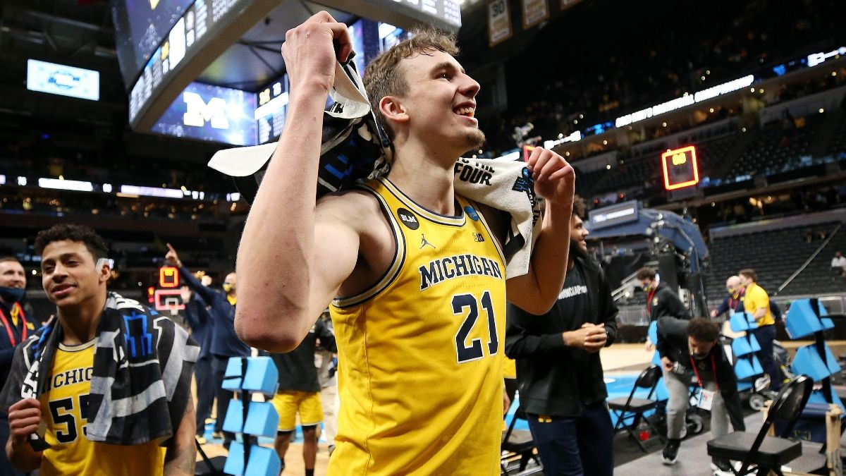 Michigan vs. UCLA Odds & Sportsbook Promo: -320? Nope! Bet the Wolverines at +100! article feature image