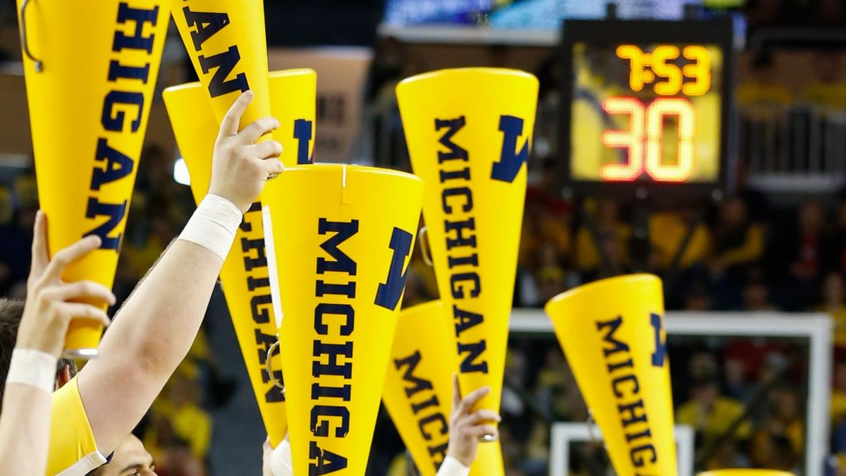 Michigan vs. UCLA Odds, Promos: Bet $20, Win $150 if Michigan Scores 8 Points! article feature image