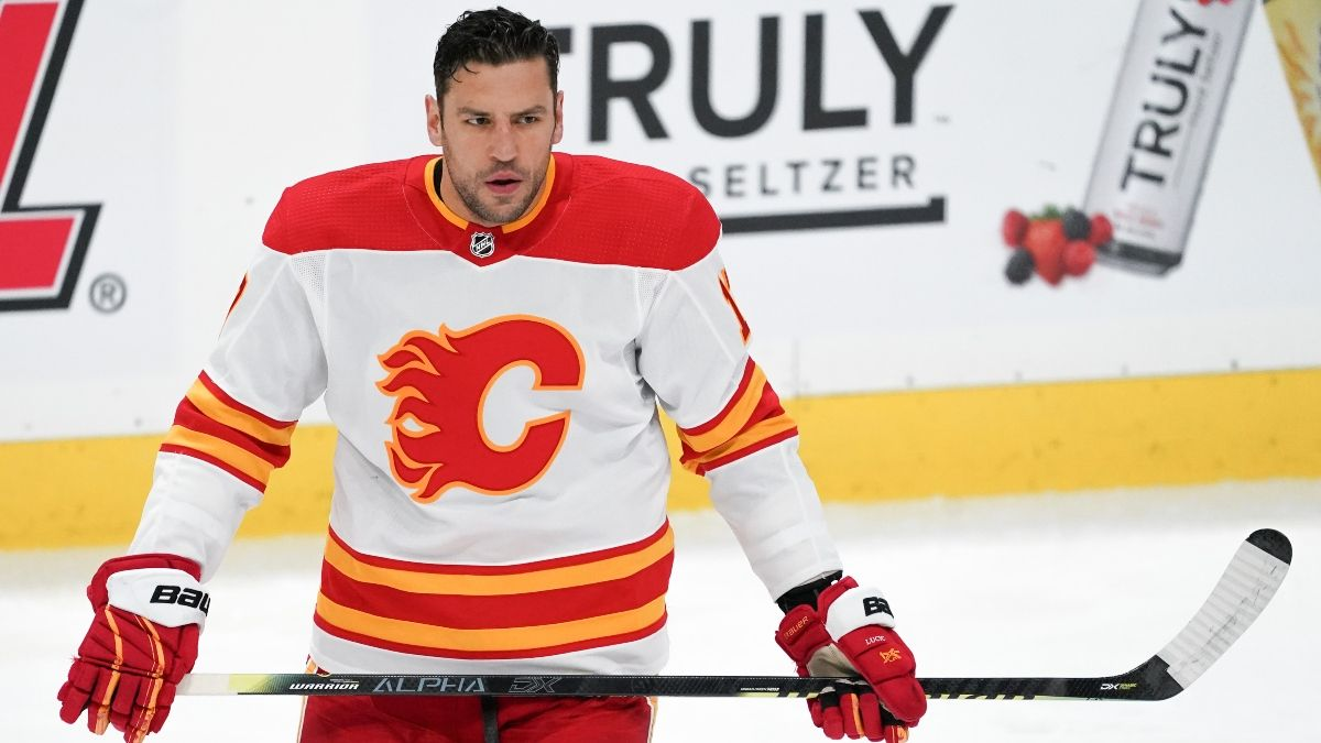 Friday NHL Betting Odds & Pick for Jets vs. Flames: Calgary Undervalued Against Winnipeg (March 26) article feature image
