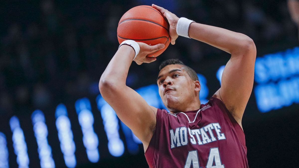 College Basketball Odds & Picks For Saturday's Conference Tournaments: Patriot League, NEC, Colonial, Missouri Valley & America East article feature image
