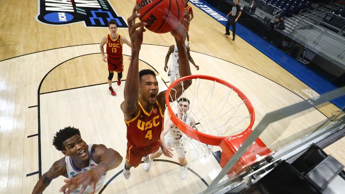 NCAA Tournament Odds & Picks For Sunday's Sweet 16 Games article feature image
