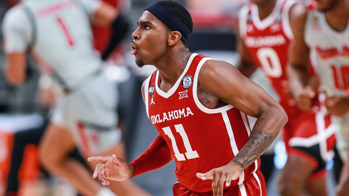 College Basketball Best Bets: Our Picks for Oklahoma vs. Oklahoma State, Rutgers vs. Nebraska & More (Monday, March 1) article feature image