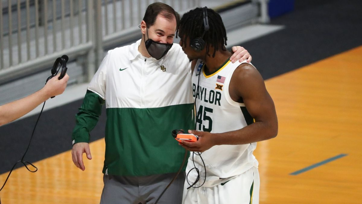 March Madness Sweet 16 Odds, Predictions & Picks: Sharps Betting Saturday's Loyola Chicago vs. Oregon State & Baylor vs. Villanova Games article feature image