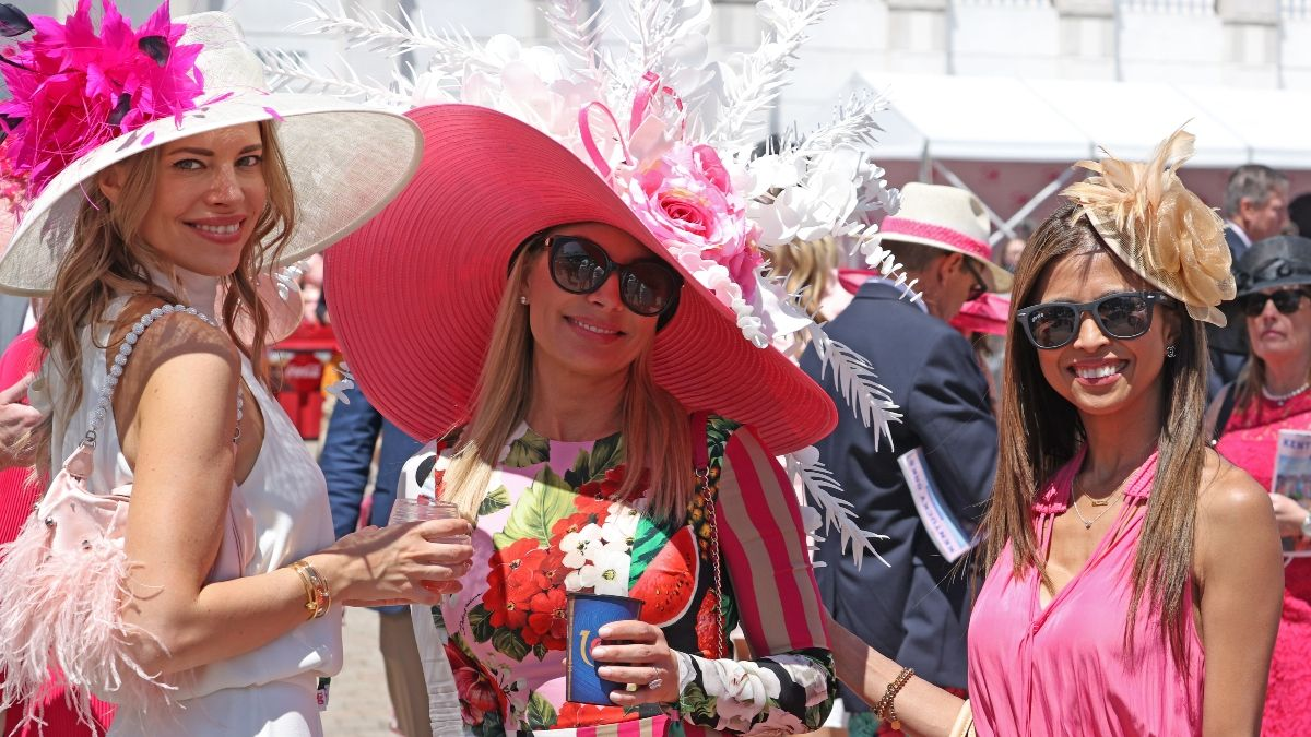 2021 Kentucky Derby Weather Forecast Update: Sunshine, Clear Skies On Tap for Triple Crown Race (Saturday, May 1) article feature image