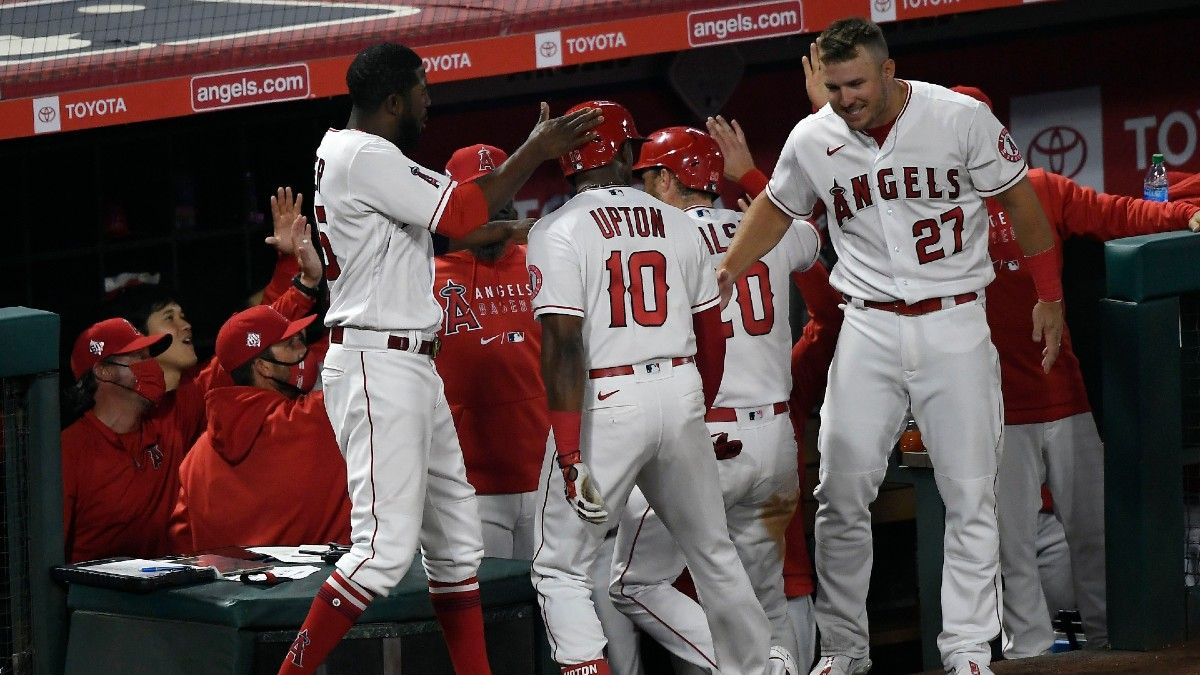 MLB Odds & Picks: Our Staff's 3 Best Bets, Including Cubs vs. Brewers, Diamondbacks vs. Padres & White Sox vs. Angels (Sunday, April 4) article feature image
