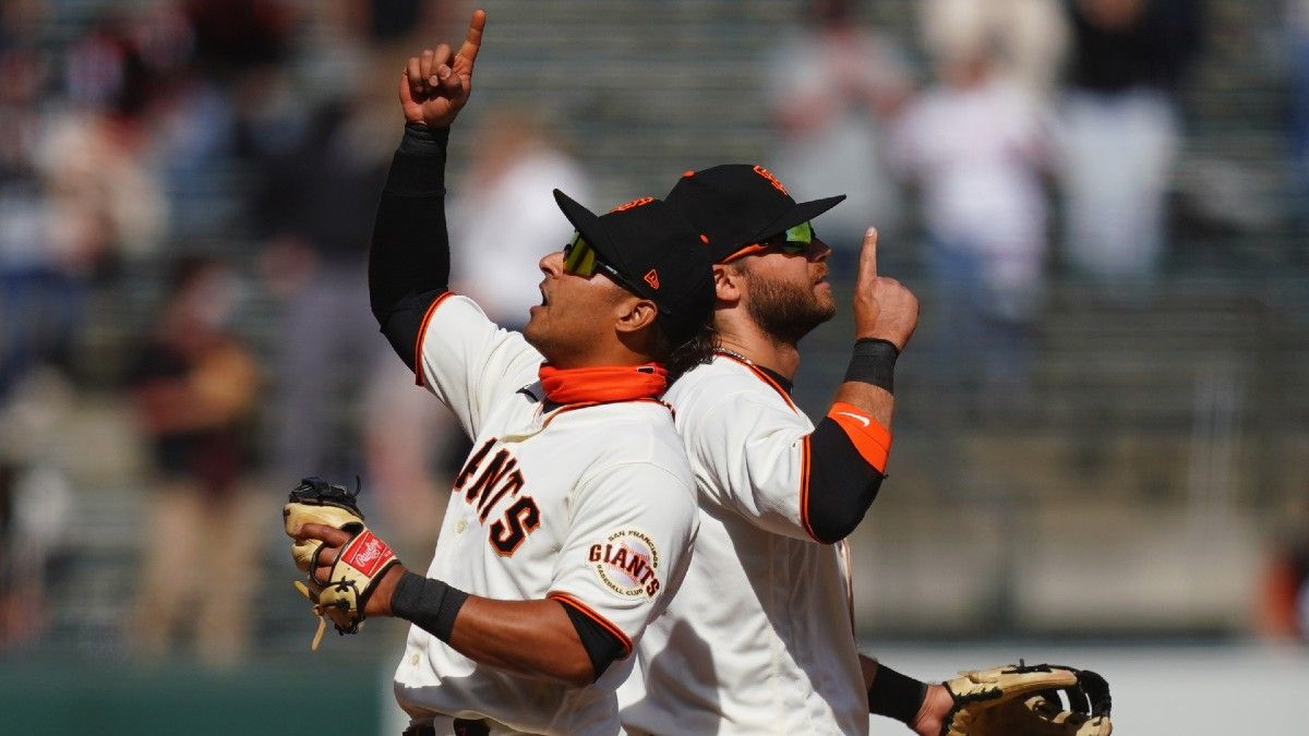 Monday MLB Odds, Picks & Predictions: 4 Ways To Bet Tonight's Games article feature image