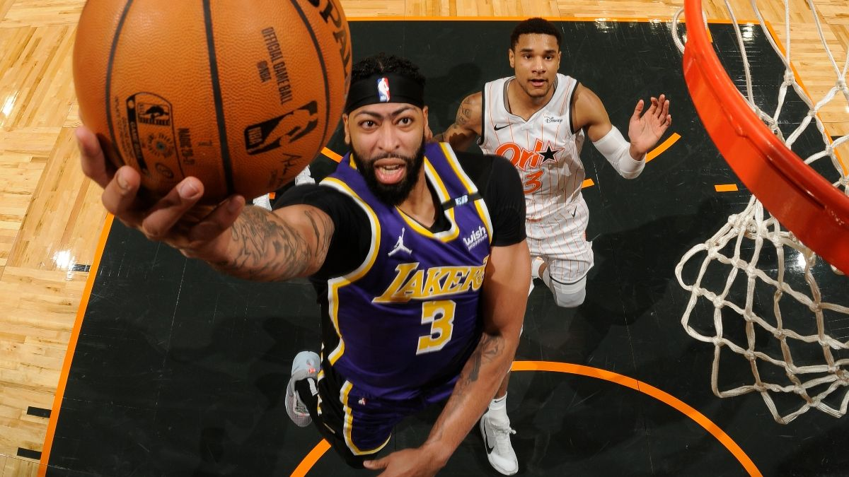 Lakers-Nuggets Promo: Bet $10, Win $100 if the Lakers Score a Point! article feature image