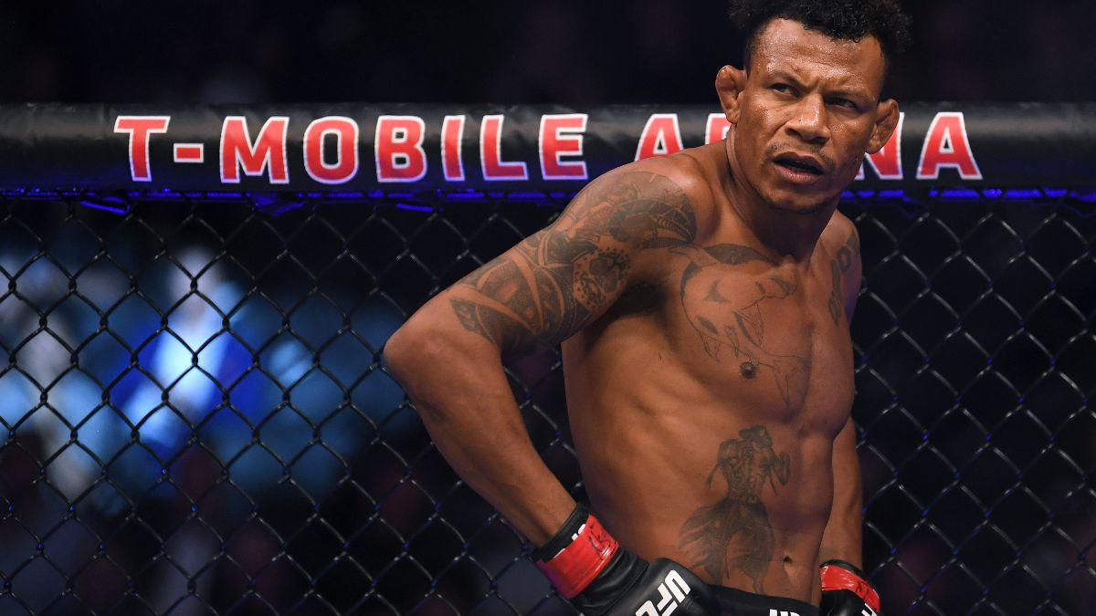 Alex Oliveira vs. Randy Brown Odds, Picks, Predictions for UFC 261: Take Brown by Decision article feature image
