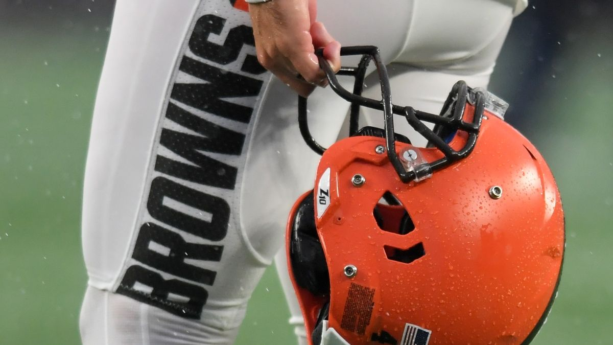 Browns NFL Draft Picks, Team Needs & First Round Betting Odds article feature image