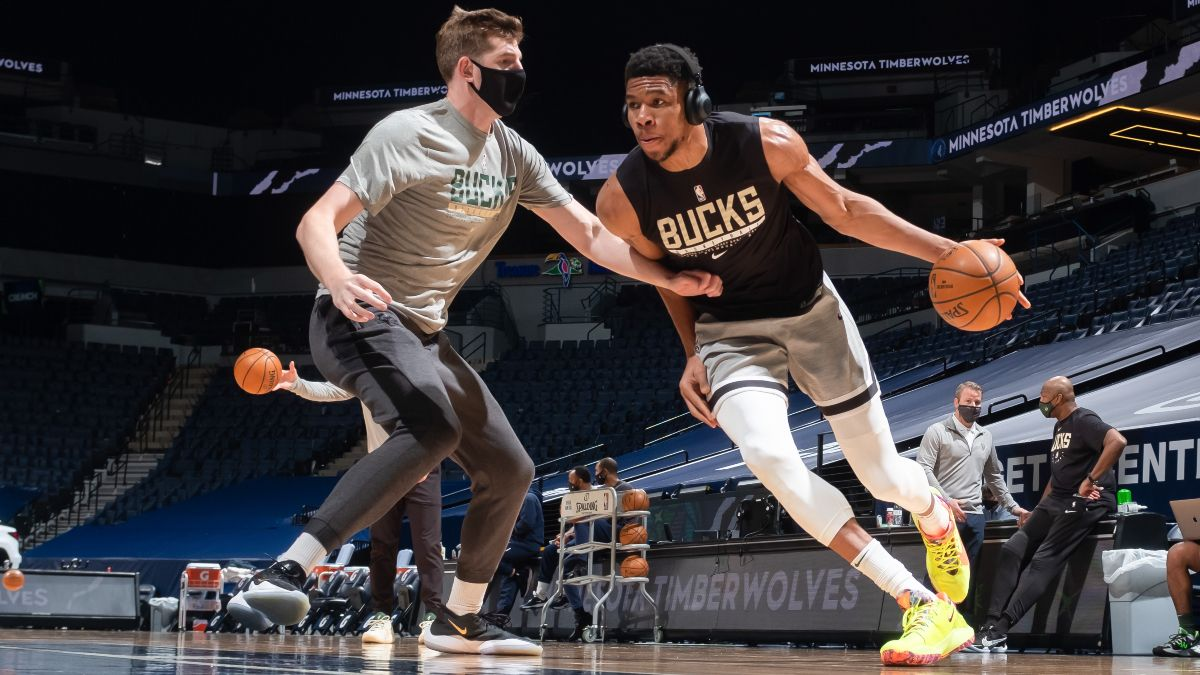 NBA Injury News & Starting Lineups (April 15): Trae Young, Giannis Antetokounmpo Cleared to Return Thursday article feature image