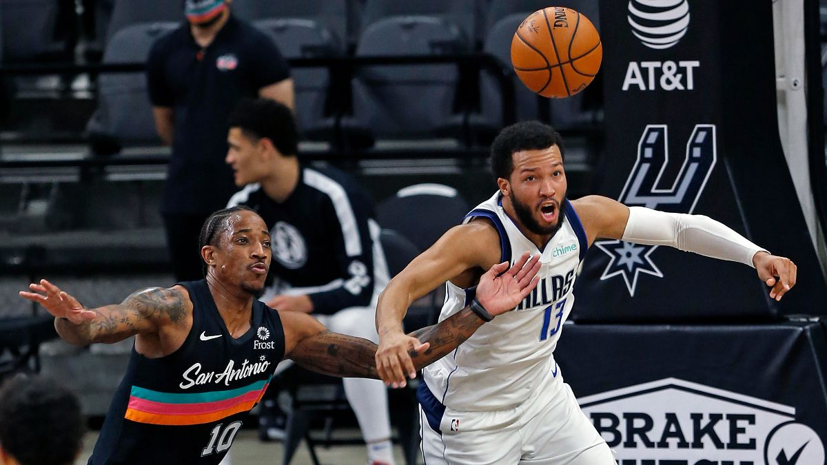 NBA Betting Odds & Picks: Our Staff's Best Bets for Pelicans vs. Cavaliers, Spurs vs. Mavericks (Sunday, April, 11) article feature image