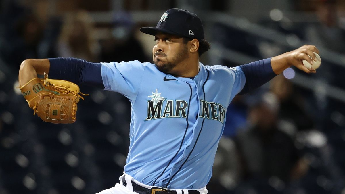 MLB Odds & Picks for White Sox vs. Mariners: Back Seattle in Matchup of Southpaws (Monday, April 5) article feature image