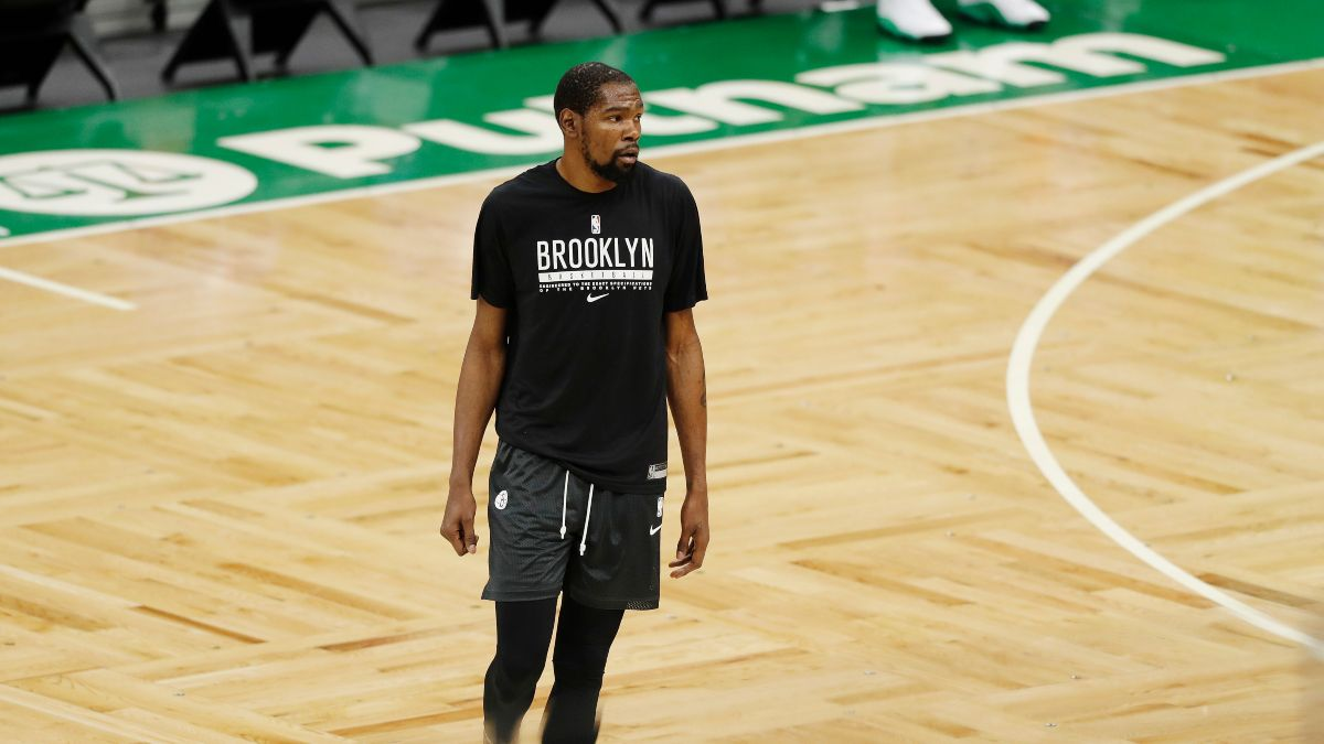 NBA Injury News & Starting Lineups (April 23): Kevin Durant, Jaylen Brown Out Friday article feature image