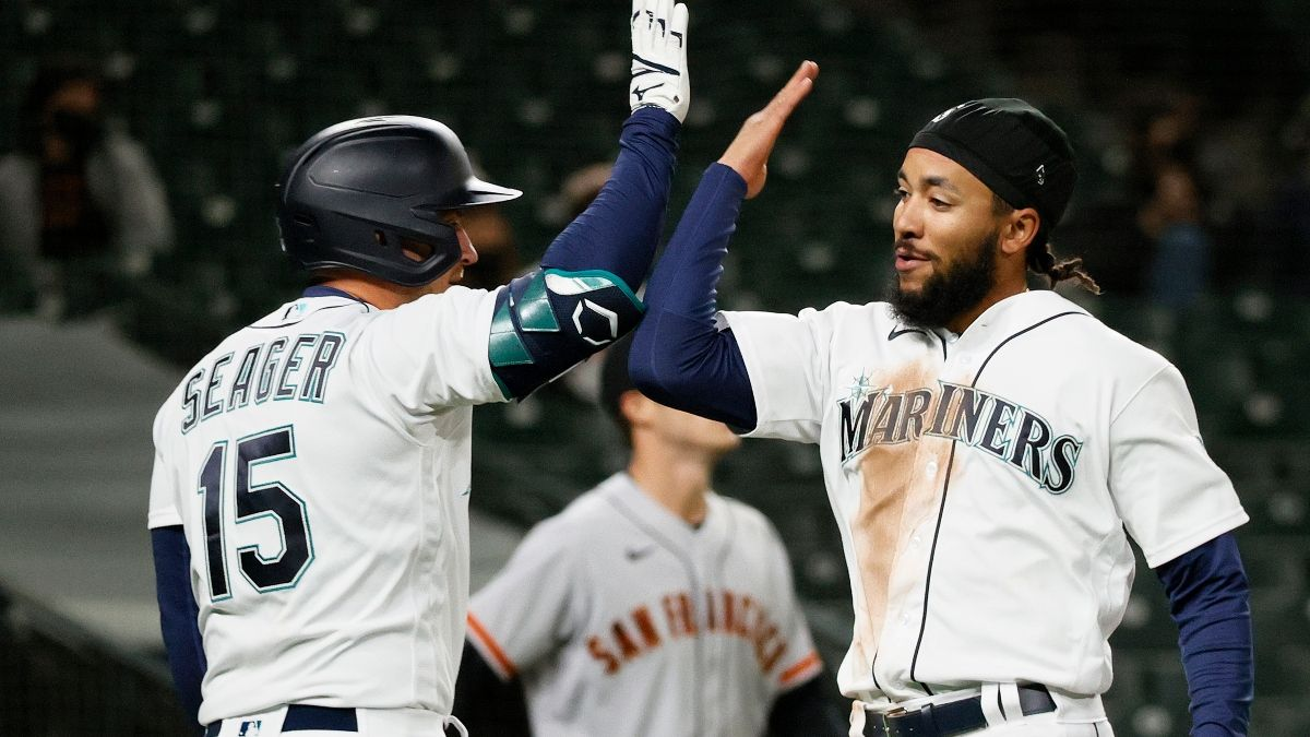 Friday MLB Odds, Picks & Predictions: 4 Bets For The Night's Slate (April 16) article feature image