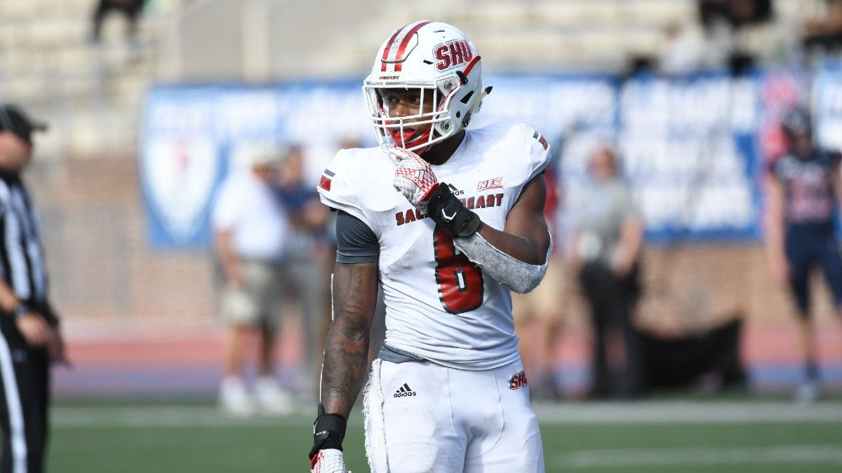 Delaware vs. Sacred Heart: College Football FCS Playoffs Betting Odds & Pick (Saturday, April 24) article feature image