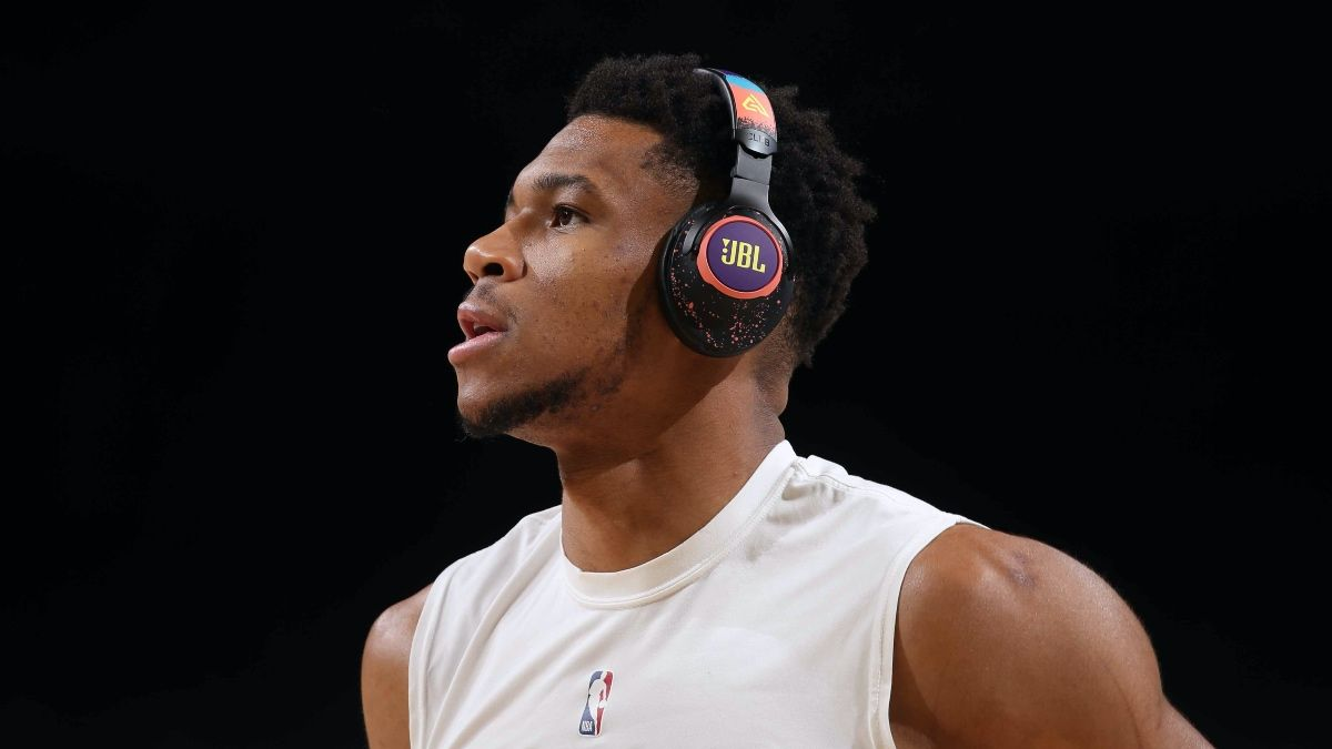 NBA Player Prop Bets & Picks for Thursday: Giannis Antetokounmpo, Carmelo Anthony Highlight Fades on Card (May 13) article feature image