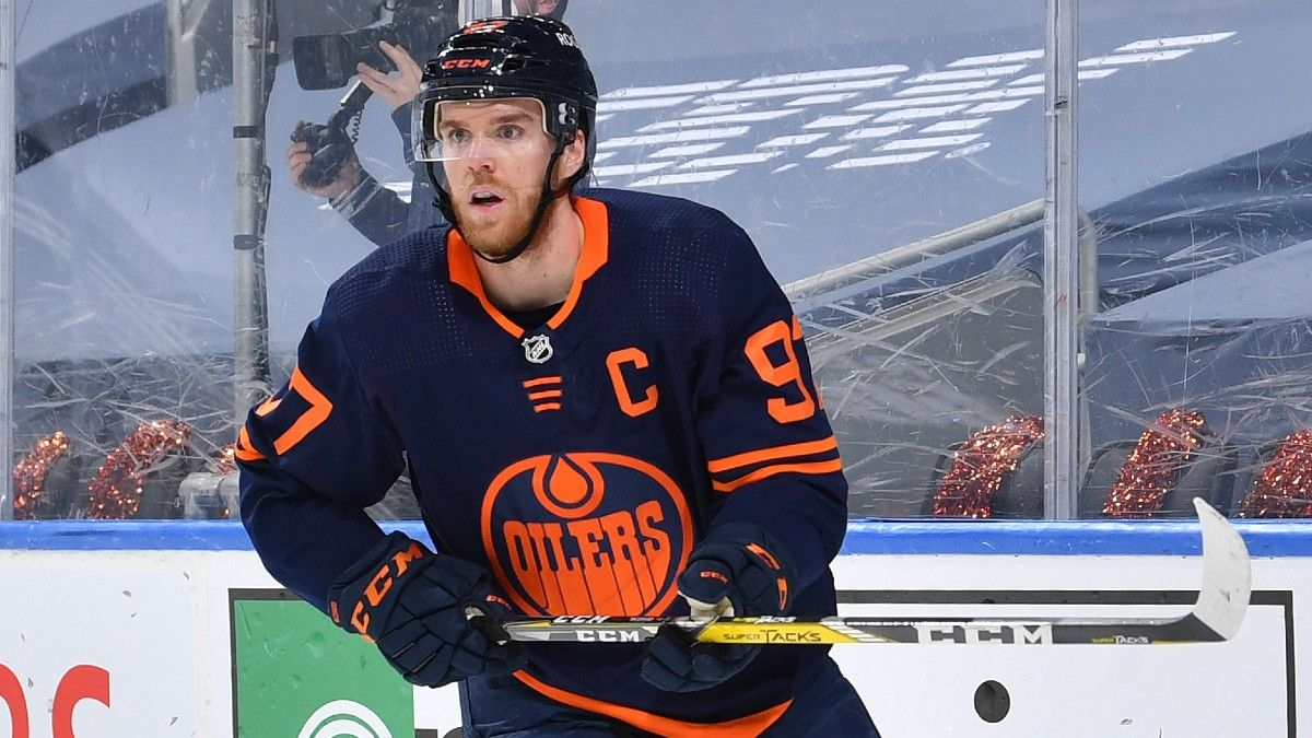 NHL Odds, Picks, Prediction for Oilers vs. Jets: Betting Preview for Game 3 in Winnipeg (Sunday, May 23) article feature image