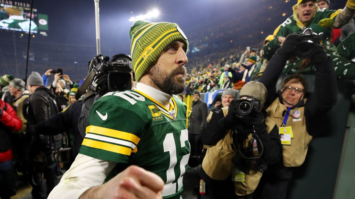 Aaron Rodgers Trade Odds: Packers Favored To Retain QB, Broncos Next article feature image
