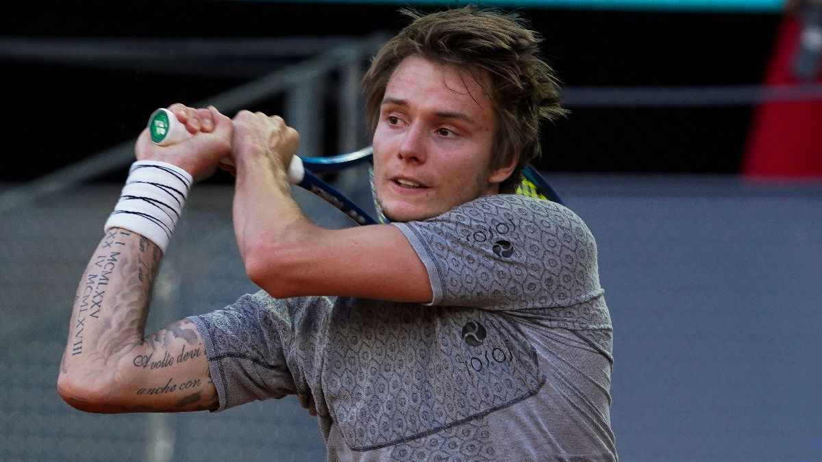 2021 French Open Odds & Picks: 3 Monday First-Round Matches With the Most Betting Value (May 31) article feature image