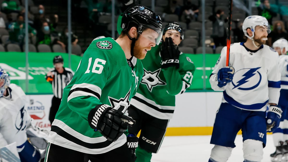 Stars vs. Lightning NHL Odds & Pick: Bet Dallas in Wednesday's Must-Win Matchup (May 5) article feature image