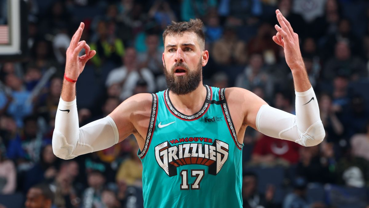 NBA Player Prop Bets & Predictions: Anderson's Top 3 Picks for Wednesday, Including Jonas Valanciunas & De'Andre Hunter (May 26) article feature image