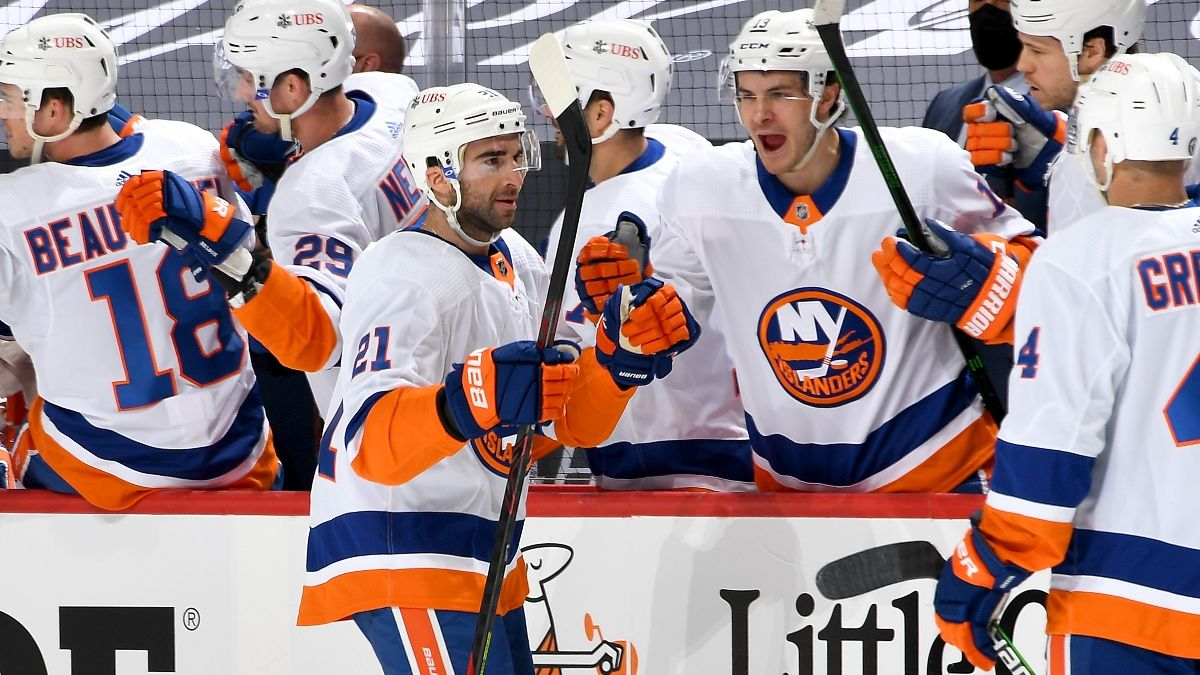 Islanders vs. Penguins Odds & Pick: How to Bet New York in Game 2 (Tuesday, May 18) article feature image
