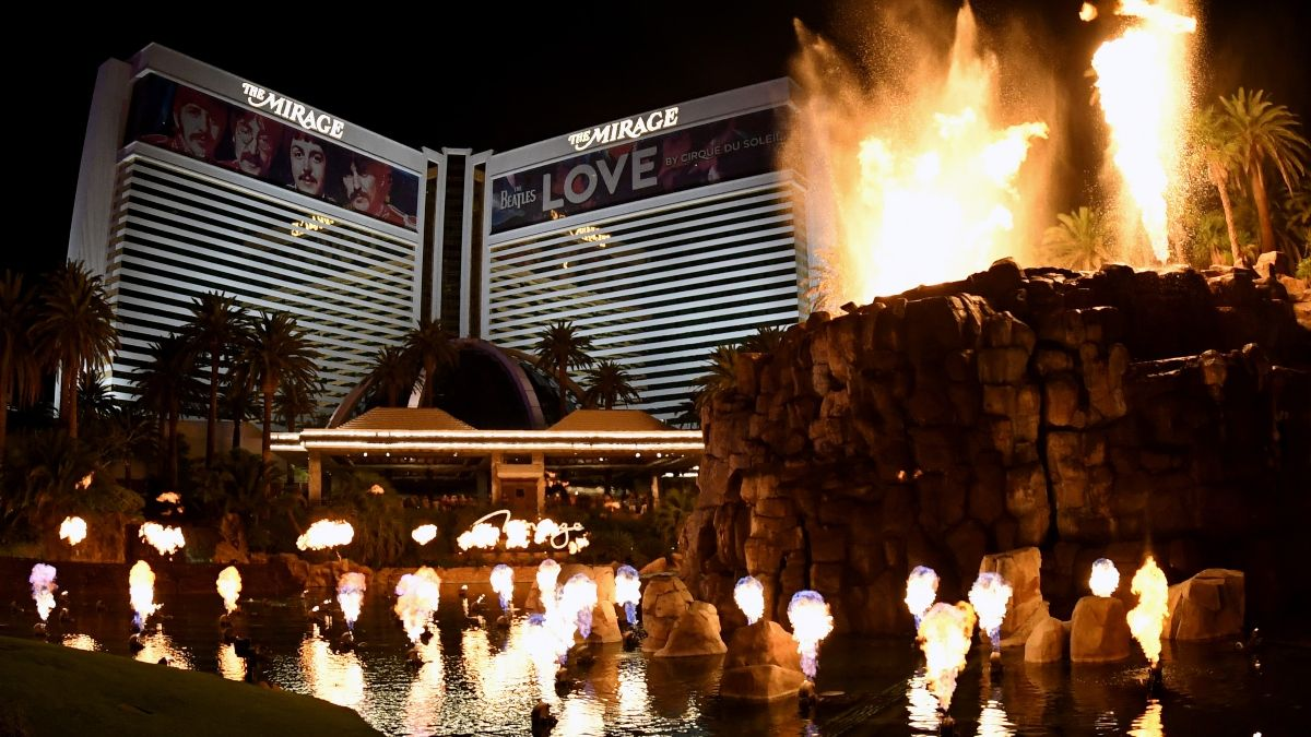 Las Vegas Is Back! Five Tips for Your Return to Sin City During the COVID-19 Pandemic article feature image