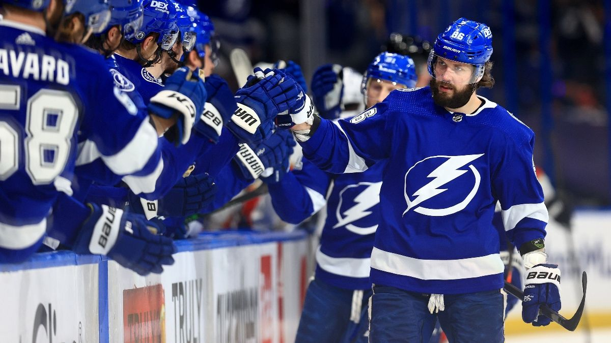 Lightning vs. Panthers Game 5 Odds, Prediction, Preview: Reigning Champs Look to Advance (May 24) article feature image