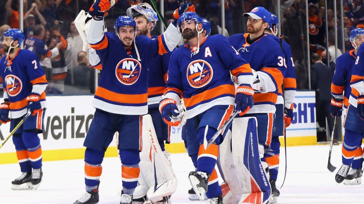 NHL Odds, Preview, Prediction for Lightning vs. Islanders Game 3: Why New York Has Value on Home Ice (Thursday, June 17) article feature image