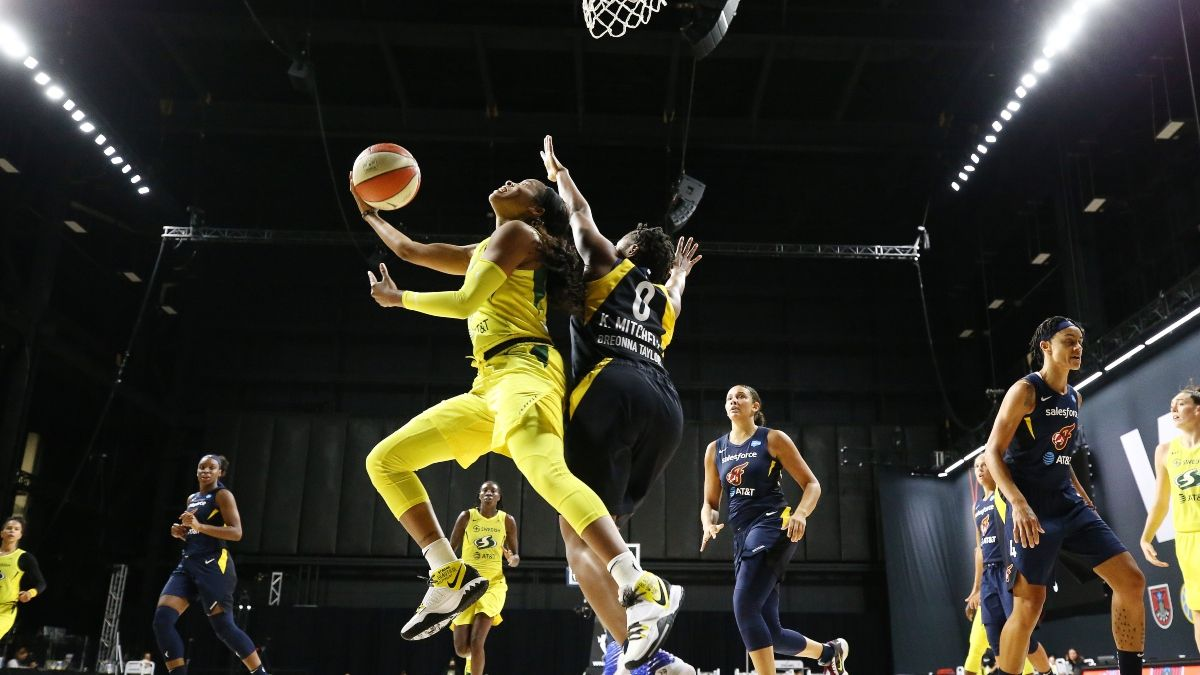 Tuesday WNBA Odds, Picks & Predictions: Aces-Sun, Sparks-Wings, Mercury-Sky & Fever-Storm (June 1) article feature image