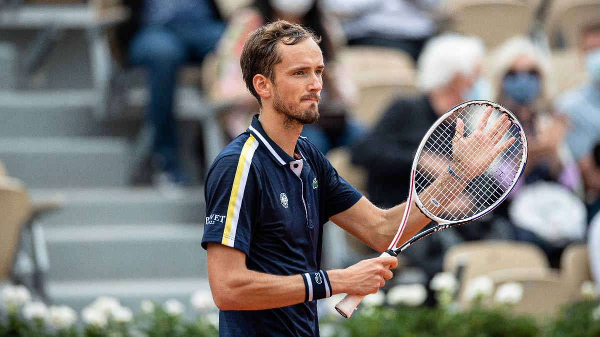 2021 French Open Odds & Quarterfinal Prediction For Stefanos Tsitsipas vs. Daniil Medvedev article feature image