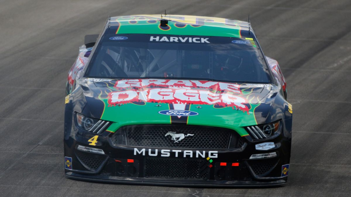 NASCAR Pocono Raceway Odds, Promo: Bet $20, Win $100 if Kevin Harvick Finishes Top-20! article feature image