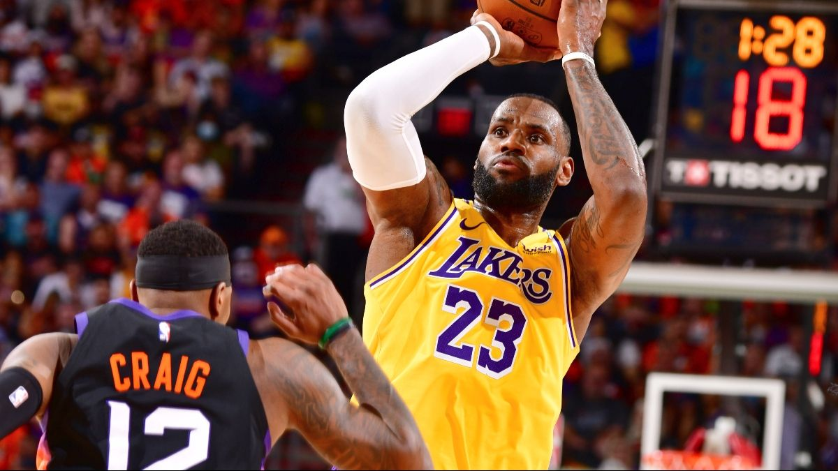 Los Angeles Lakers Playoffs Promo: Bet $20, Win $100 if the Lakers Hit a 3-Pointer! article feature image