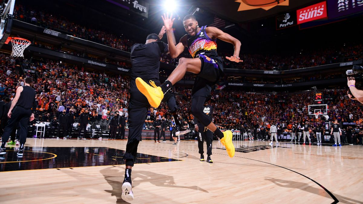 NBA Finals Player Prop Bets, Picks: 3 Game 1 Plays, Including Deandre Ayton & Khris Middleton (July 6) article feature image