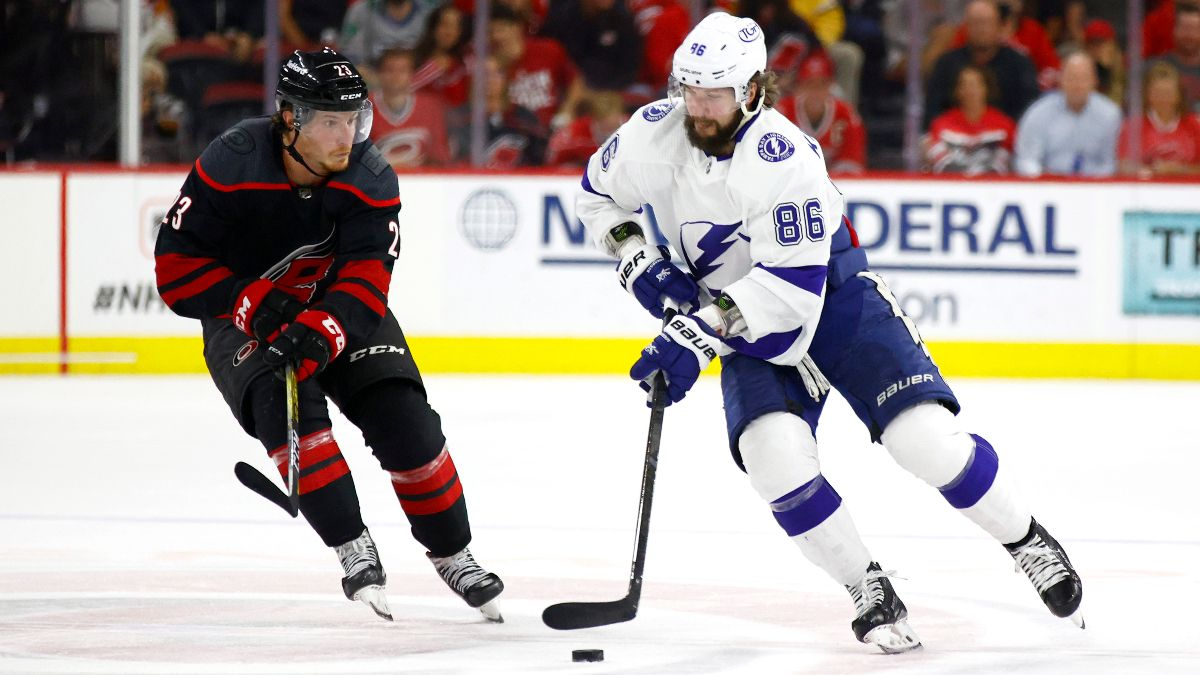 Lightning vs. Hurricanes NHL Playoff Odds & Predictions: How To Bet the Game 5 Moneyline article feature image