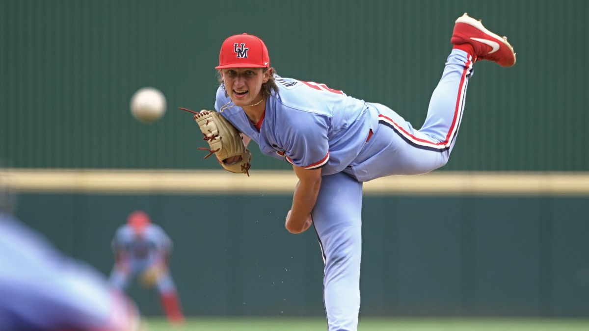 College Baseball Super Regionals Odds, Picks & Projections: Ole Miss vs. Arizona Betting Preview article feature image