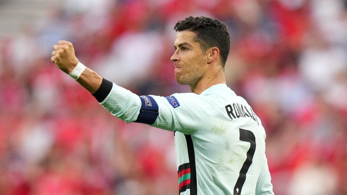 DraftKings Happy Hour Promo: Bet $5, Win $125 if Cristiano Ronaldo Attempts a Shot! article feature image