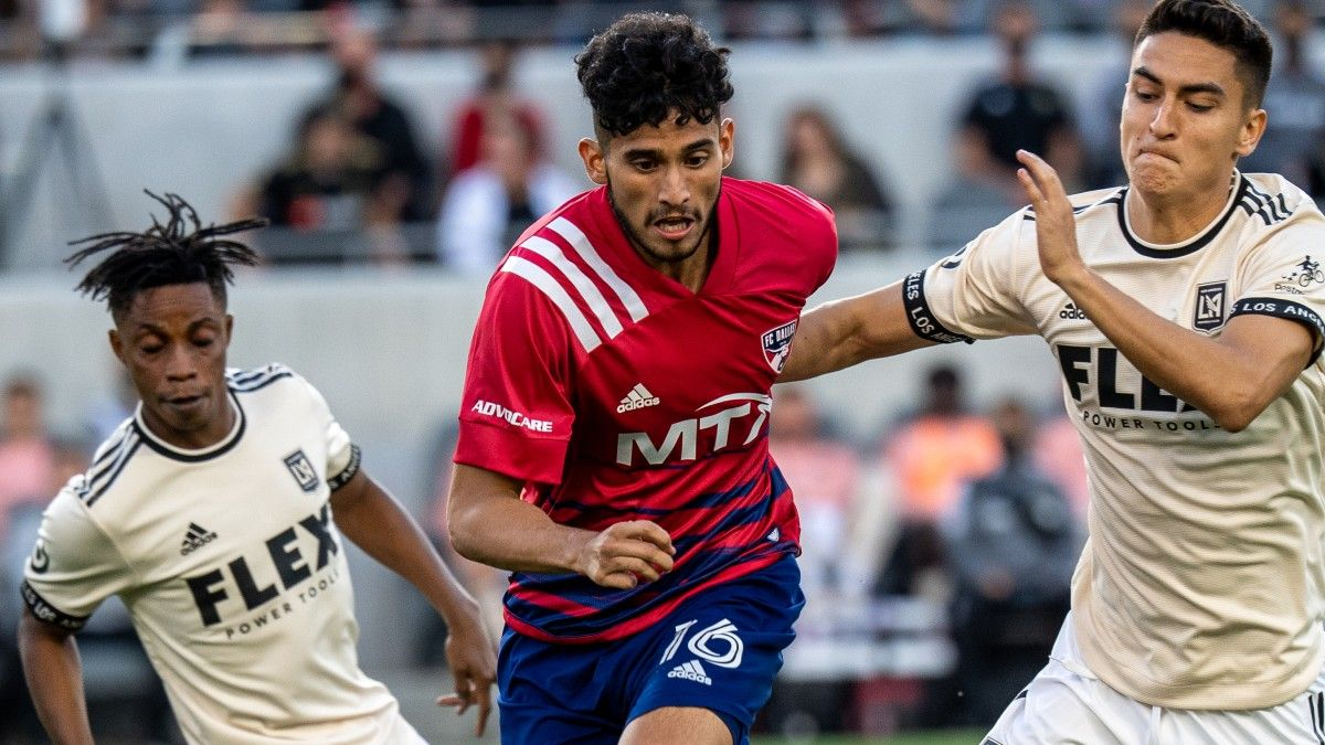 FC Dallas vs. Los Angeles Galaxy MLS Odds, Picks, Prediction, Preview: Back Offenses To Thrive (July 24) article feature image