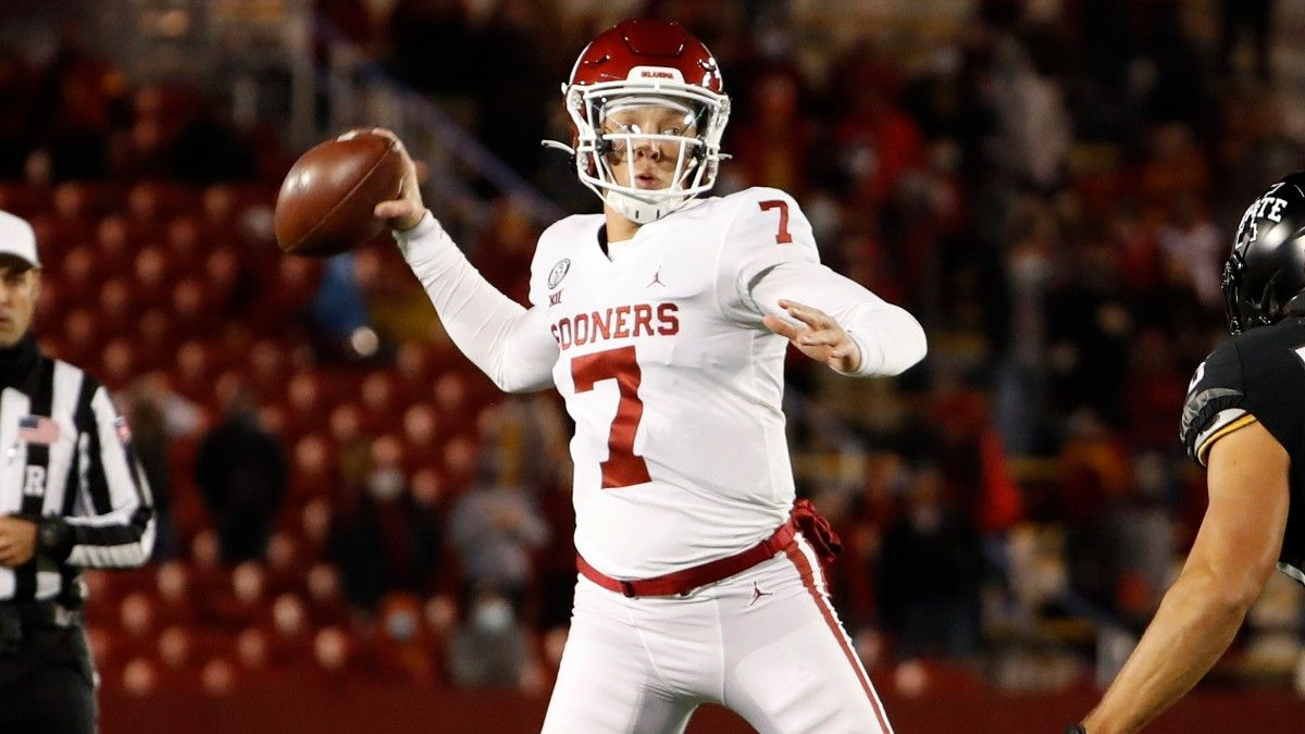 Oklahoma QB Spencer Rattler Becomes First Major College Athlete to Have Public Autograph Signing article feature image