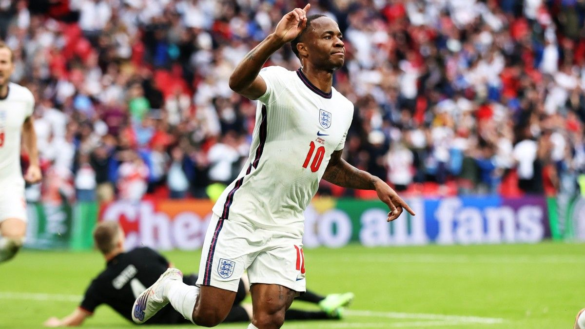 Italy vs. England Euro 2020 Final Odds, Picks, Predictions: How to Bet Matchup of Soccer Giants (July 11) article feature image