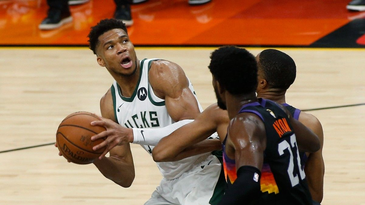 Suns vs. Bucks Odds, Picks, Predictions for NBA Finals: Bet Milwaukee to Even Series in Game 4