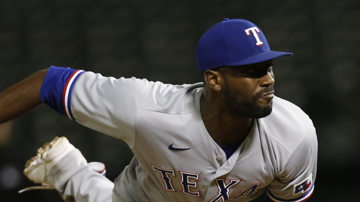 Mariners vs. Rangers MLB Odds, Picks, Predictions: PRO Systems Showing Value On Taylor Hearn, Rangers (July 31) article feature image