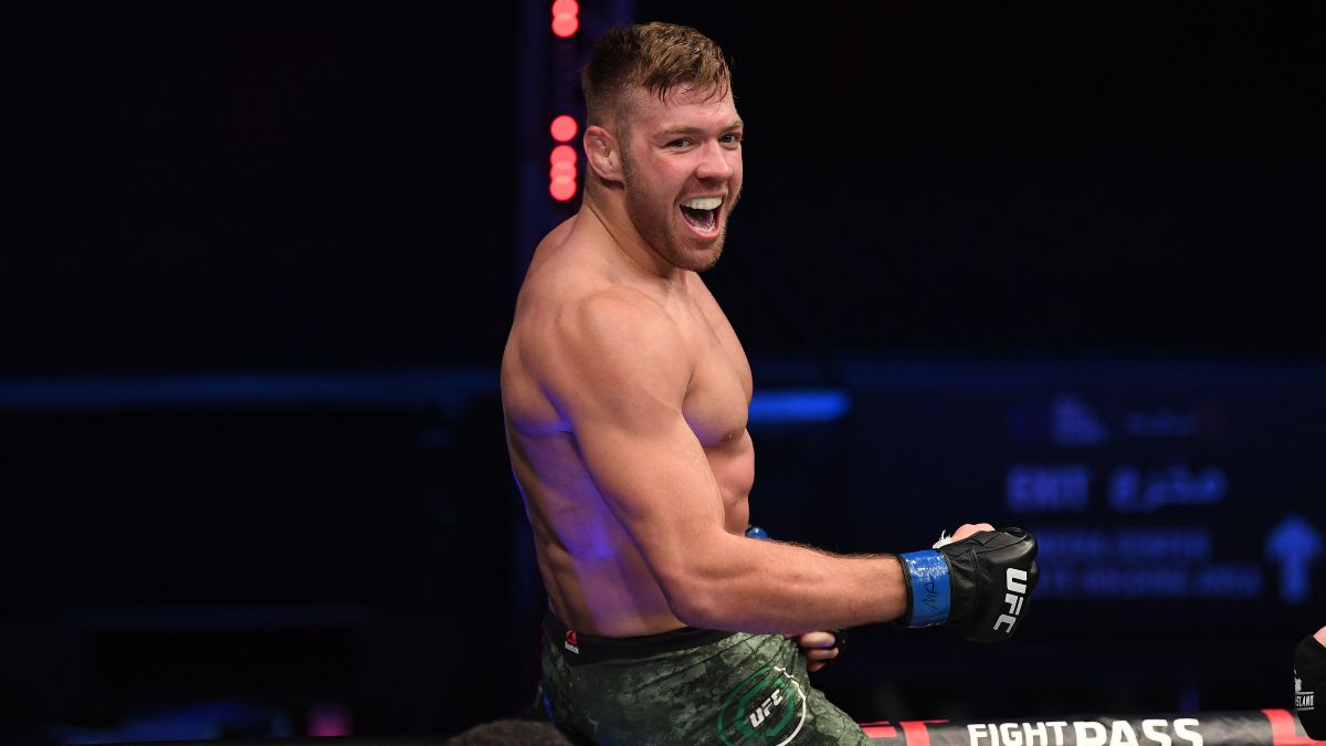 Trevin Giles vs. Dricus Du Plessis UFC 264 Odds, Pick & Prediction: How To Bet Prelim Opener (Saturday, July 10) article feature image